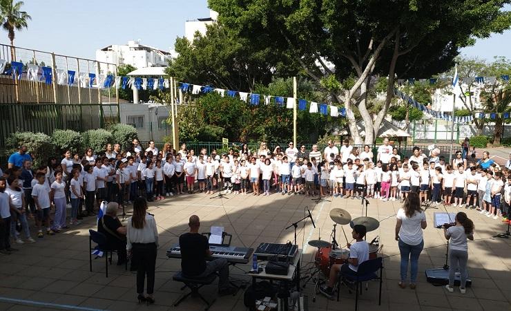 קבלת הפנים לזהר בלום בביקור בבית הספר רמת אלון