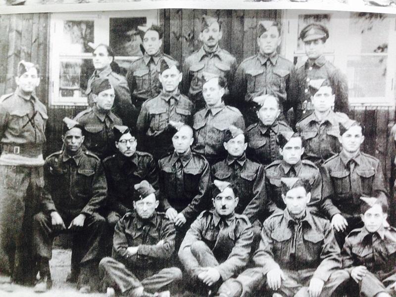 """זכריה חממי ז""""ל וחבריו שהתנדבו לצבא הבריטי"""
