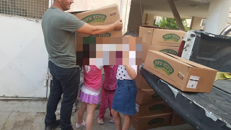 אלפי כריכים שנתרמו למשפחות נזקקות דרך עמותת 'חיוך שלו'