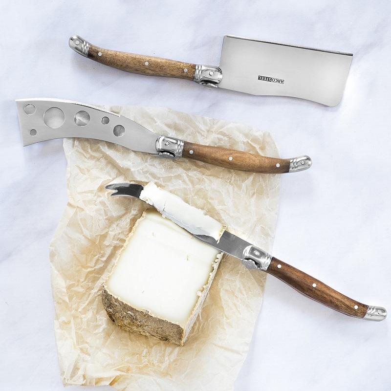 סט סכינים לגבינות של ארקוסטיל (צילום: גלי איתן)