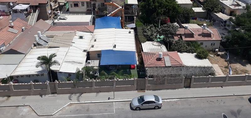 קו התפר בין רחוב פריד שבשכונת חצרות המושבה לשכונת סלע