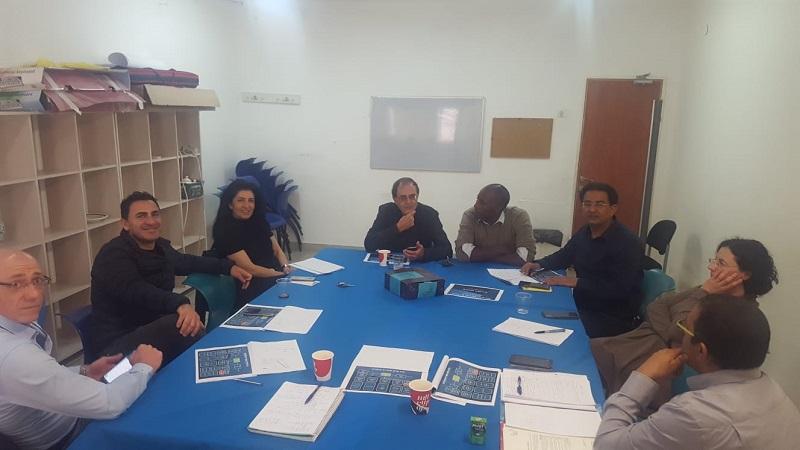 פגישתו של גיא גרחיש עם נציגי העירייה בנוגע לשכונת אושיות