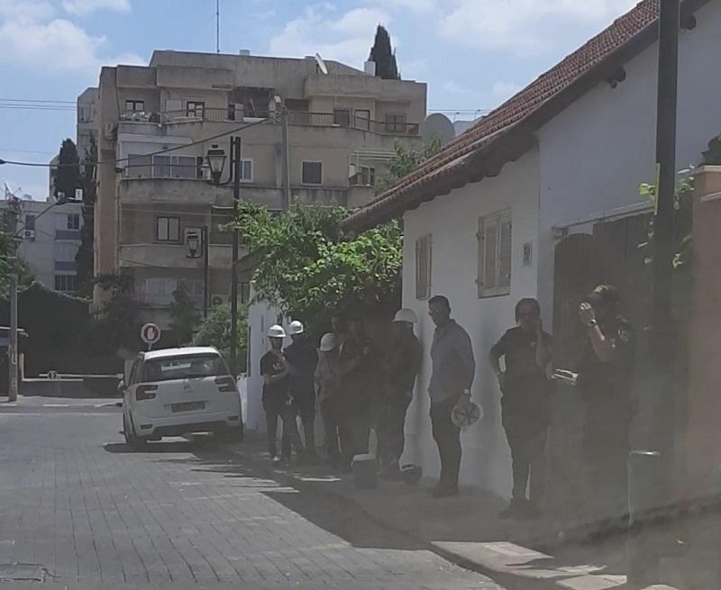 כוחות המשטרה ומשרד העבודה והרווחה בפשיטה ברחובות
