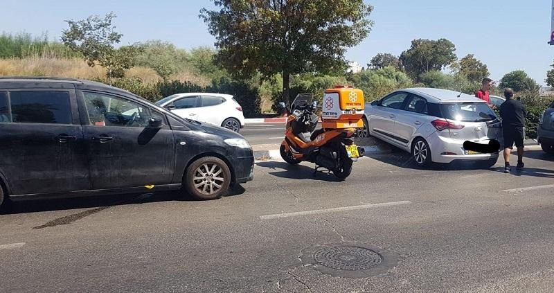 תאונת דרכים ברחוב אצל פינת מרדכי בשיסט ברחובות