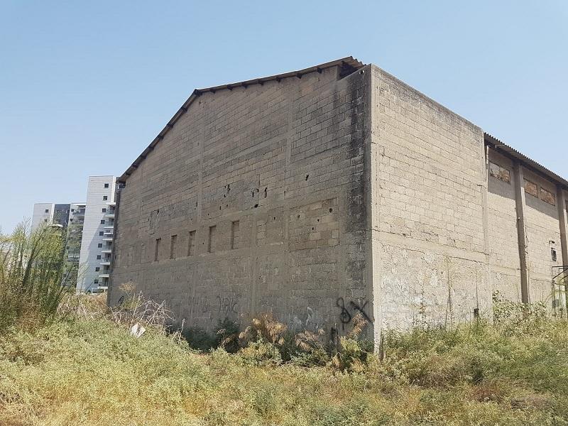 בית הקולנוע הנטוש ברחובות (צילום: דוברות המשטרה)