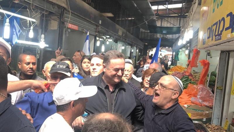 """ישראל כ""""ץ בסיורו הקודם ברחובות"""