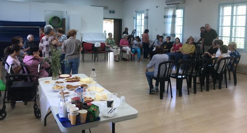 מפגש של קבוצת האזרחים הוותיקים בחבצלת