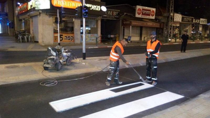 חידוש מעברי חציה ברחובות