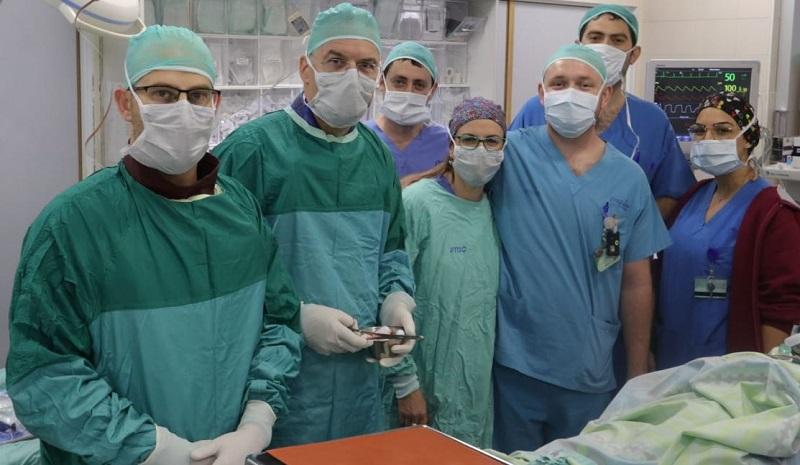 צוות יחידת צנתורים, המרכז הרפואי קפלן (צילום: גלעד שעבני)