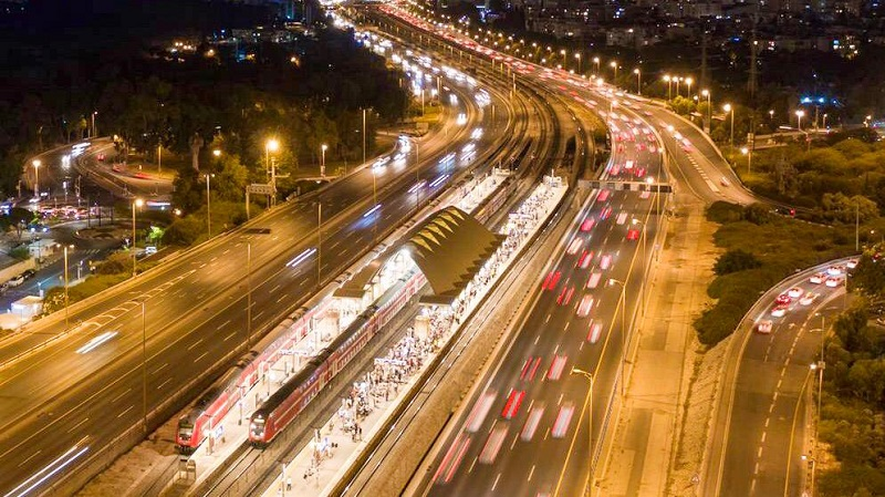 תחנת רכבת תל אביב האוניברסיטה (צילום: CLOUDVIEW צילומי אוויר)
