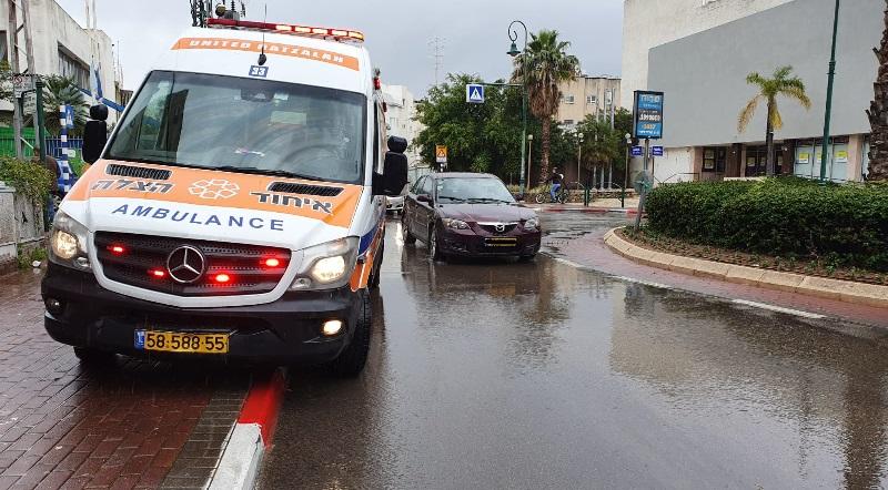 זירת התאונה ברחוב לוין אפשטיין (צילום: דוברות איחוד הצלה)