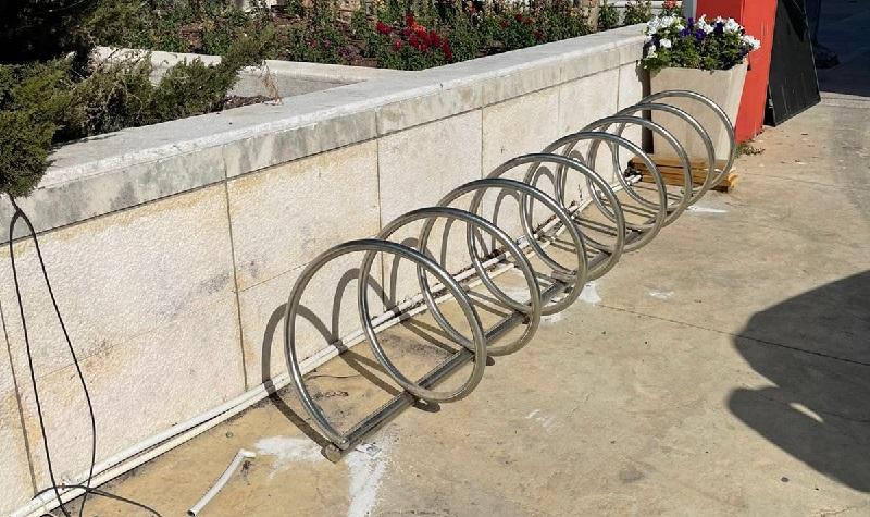 מתקנים להעמדת אופניים