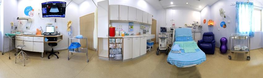 חדר לידה במרכז הרפואי קפלן (צילום: גלעד שעבני שופן)