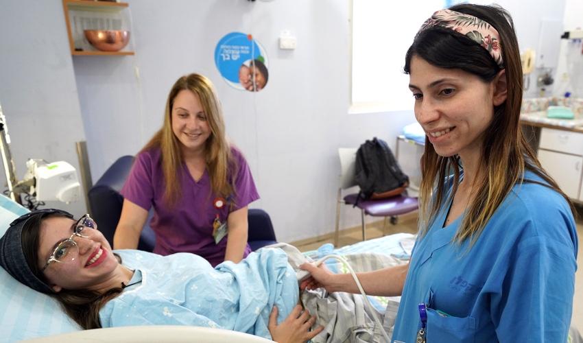 מחלקת היולדות במרכז הרפואי קפלן (צוות מחלקת היולדות של המרכז הרפואי קפלן (צילום: גלעד שעבני שופן)